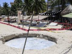 Se abre socavón en Playa del Carmen, Quintana Roo