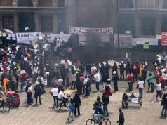CNTE 'clausura' SEP y quema figuras de Elba Esther y Nuño