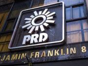Trabajadores del PRD niegan que se haya acordado retiro voluntario; 'a aviadores no los tocan'
