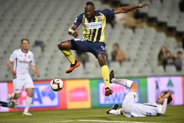 """Doblete en su primer partido como titular en Australia — Cazagoles Bolt"""""""