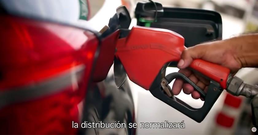 Gobierno de México pide evitar compras de pánico; hay suficiente gasolina