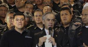 Ismael Figueroa obligaba a bomberos a jubilarse para vender plazas