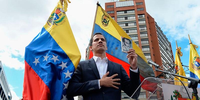 Congresistas de EEUU desconocen autoridad de Guaidó