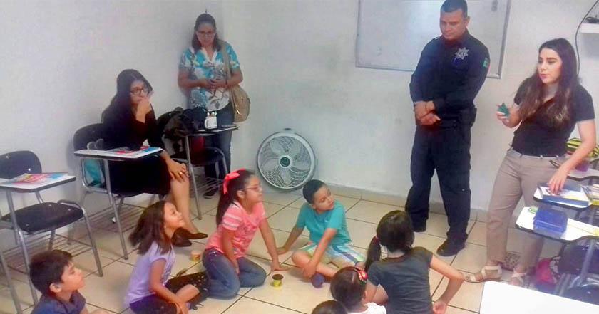 Sujeto se introdujo al baño de una escuela y abusó de niña de 12 años