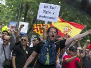 Uber y Cabify dejan de circular en Barcelona tras protestas de taxistas
