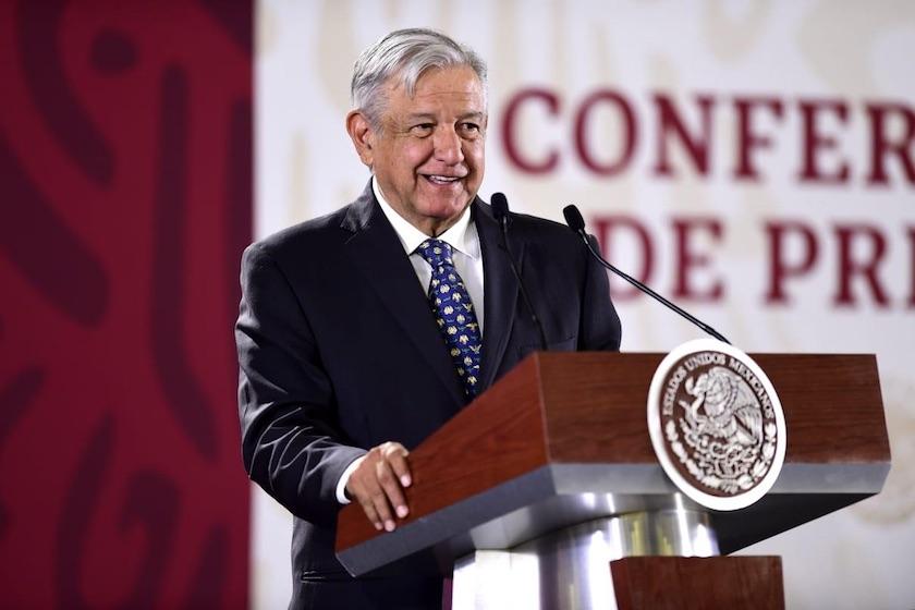 El expresidente Fox marcha contra AMLO en Guanajuato; Calderón celebra las protestas