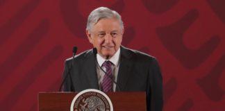 """AMLO llama al diálogo, """"guerra comercial no beneficia a nadie"""""""