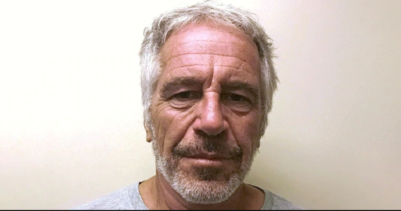 """Epstein, acusado de crear red de tráfico sexual, se """"suicida en su celda"""""""