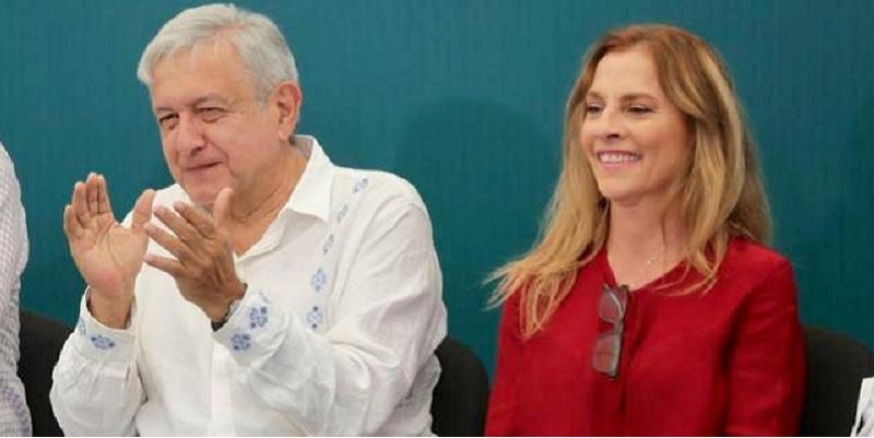 AMLO con su esposa Beatriz Gutiérrez Müller