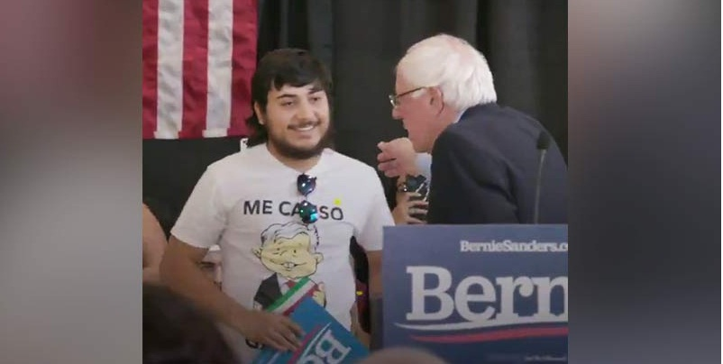 Bernie Sanders camiseta de AMLO