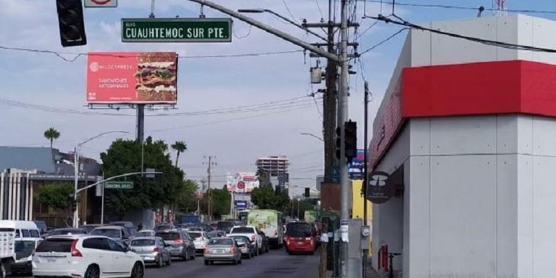 Apagón en Baja California, semáforo apagado