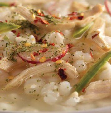 IMSS: Pozole de pollo reduce 50% el consumo de calorías