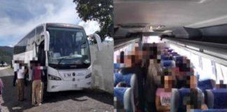 Rescatan a 98 migrantes abandonados dentro de autobuses en Veracruz