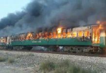 Pakistán, incendio en tren