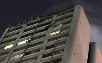 Un hombre muere y cientos son desalojados por incendio en Tlatelolco