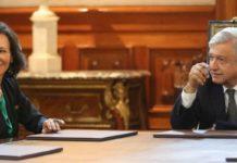 AMLO: Santander cumplió su promesa, retira comisiones en remesas