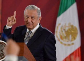"""AMLO: A Estela de Luz una placa que diga 'Monumento a la Corrupción"""""""