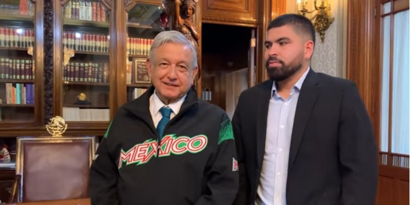 AMLO recibe a Urquidi, mexicano en Los Astros