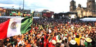 AMLO, festeja en el Zócalo