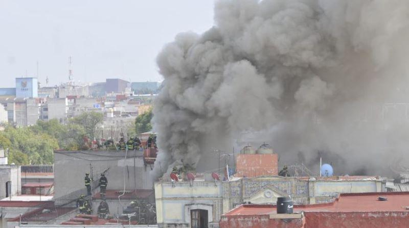 Revive incendio en el Centro Histórico de la CDMX: VIDEOS
