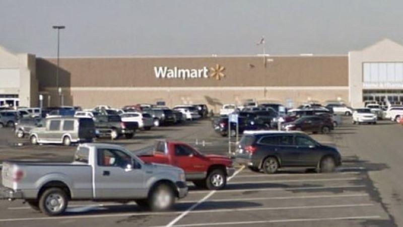 Resultado de imagen para Tres personas mueren en un tiroteo en el estacionamiento de un Walmart en Duncan
