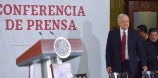 """AMLO pide, a vinculados en el caso García Luna, que """"se serenen"""""""