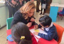 Beatriz Gutiérrez Müller visita a niños y niñas de casa hogar