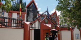 España responde a Bolivia, expulsa a tres diplomáticos