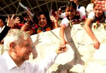 AMLO con pueblos originarios