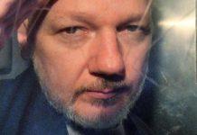 Julian Assange defiende libertad