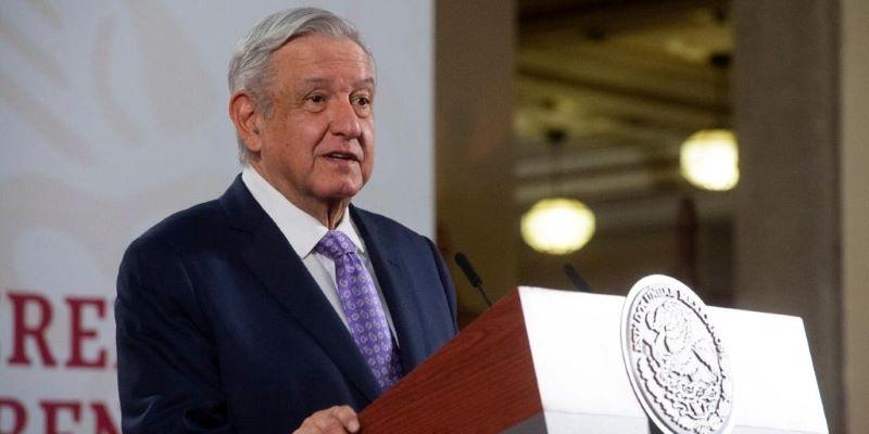 Amenazan con 'volar' periódico Reforma por criticar a AMLO